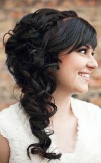 brunette-cascading-curls_mini